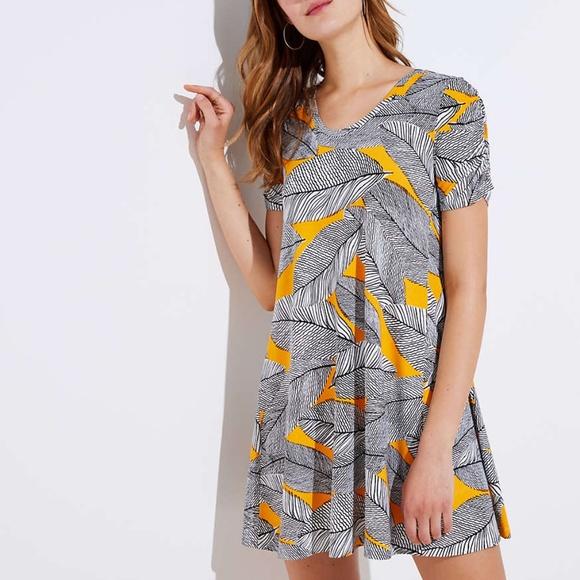 e64f9d92c0a LOFT Dresses   Skirts - NWT - LOFT Fern Short Sleeve Swing Dress